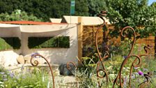 Cotswold Connections - built by Sam Hunt, planting by Lizzi Mills
