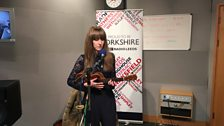 Astraluna performing live on The Durbervilles Folk & Roots Show