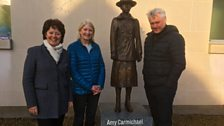 Helen, Lesley Ross at the Amy Carmichael statue
