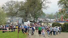 Large crowds come to see Hugo at the Vintage Steam Rally