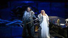 Stuart Skelton as Siegmund and Emily Magee as Sieglinde