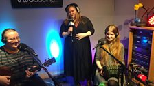 Maddie Morris and Lilian Grace with Rachael Sutcliffe on The Durbervilles Folk & Roots Show