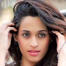 Chalte Chalte (feat. Sonali Bhatawdekar)