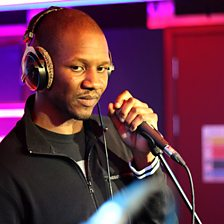 (Is It Gangsta?) Yes Yes Yes (1xtra Live Lounge, 18 Dec 2013)