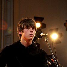 Slumville Sunrise (Radio 1 Live Lounge, 19 Dec 2013)