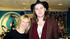 Jamie N Commons speaks to Jo Whiley