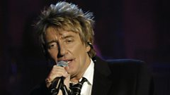 Rod Stewart is inducted into the Singers Hall of Fame