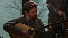 Tim O'Brien performs 'Letter In The Mail'