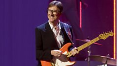 Hank Marvin talks to Johnnie Walker