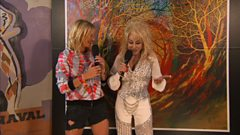 Dolly Parton talks to Jo Whiley at Glastonbury 2014