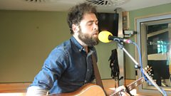 Passenger performs live for Sir Terry Wogan