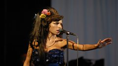Amy Winehouse enter Michael Ball's Singers Hall of Fame