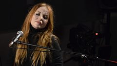 Judith Owen - In The Summertime (BBC Radio Scotland Live Session)