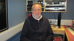 Phil Manzanera chats to Mark Radcliffe