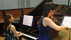 Esther Yoo and Zhang Zuo perform Beethoven together