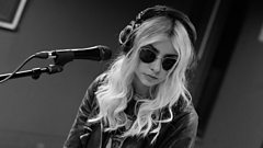 'I would go with 'date'' Taylor Momsen from The Pretty Reckless and Matt Edmondson discuss the perfect 'selfie word'