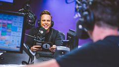 'Sinitta looks amazing' Olly Murs answers your questions #MursOnGrimmy