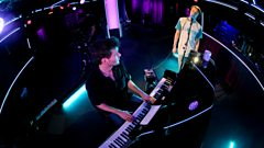 Glass Animals - Winter Wonderland (Radio 1 Piano Session)