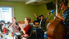 Jamie Cullum gives Uptown Funk a jazzy makeover