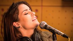 Lucie Jones - Never Give Up On You