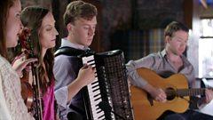 Niamh Dunne & Julie Fowlis - Wexford Town