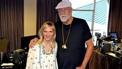"Mick Fleetwood on Willie Nelson: ""He's so alive and brilliant!"""