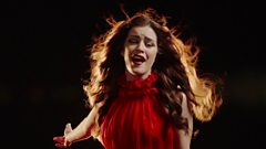 Lucie Jones (United Kingdom): Never Give Up On You