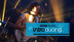 Nilüfer Yanya - Baby Luv (BBC Music Introducing session)