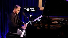 Gary Barlow performs She's On My Mind