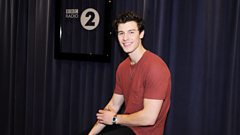"""Shawn Mendes is concerned for Her Majesty's Birthday: """"Hopefully the Queen is in a good spot!"""""""