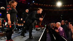 Pekka enlists choir of thousands in magical Proms encore
