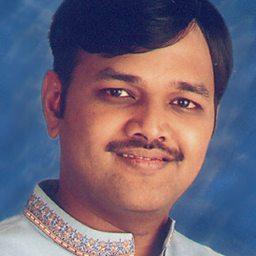Kasturi Tilakam Shri Govardhan