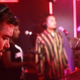 Christmas (Baby Please Come Home) (Radio 1 Live Lounge, 10 Dec 2014)