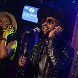 Runnin' (Lose It All) (Radio 1 Live Lounge, 22 Sep 2015) (feat. Arrow Benjamin & ShezAr)