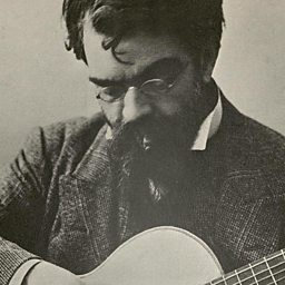 biography of andres segovia A pioneer who took the guitar away from flamenco and into global concert life,  andres segovia was an innovator who luckily commissioned.