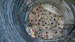 World's longest tunnel and a strange kind of race 世界最长铁路隧道,扛羊毛袋比赛