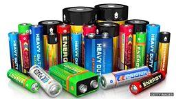 "Better batteries, car ban 研究者尝试给电池""减重增容"",英国将禁止销售汽油和柴油车"