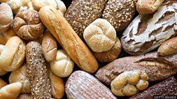 Turning bread into beer to fight food waste 奥地利人为打击食物浪费用面包造啤酒