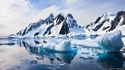Antarctica's plastic threat 科学家称塑料污染已威胁南极海域