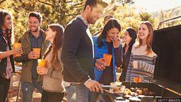 "Barbecue, grill, roast, broil, toast, bake 辨析表示 ""烤"" 的烹饪词语"