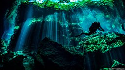 "Mexico's 'underwater kingdom' 墨西哥的 ""水下王国"""
