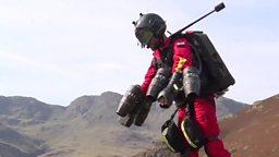 """Jet pack medics to the rescue 英国测试能让医护人员 """"飞"""" 向患者的喷气式飞行服"""