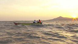 Kenyan fishermen and women saving the planet 肯尼亚渔民试用电动渔船助环保