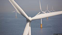 UK wind turbines at sea 英国的海上风力发电机