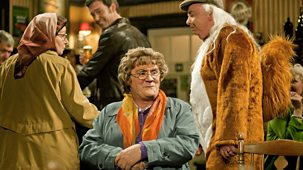 Mrs Brown's Boys - Series 1 - Mammy's Miracle