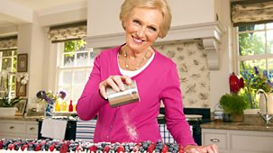 Mary Berry Cooks - For A Crowd