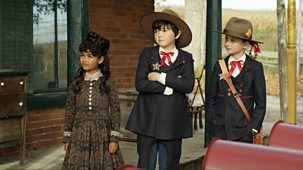Odd Squad - 42. A Fist Full Of Fruit Juice