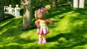 In The Night Garden - Series 1 - Upsy Daisy Dances With The Pinky Ponk