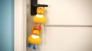 Twirlywoos - Series 3: 18. More About Open And Close
