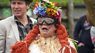 Marrying Mum And Dad - Series 6: 13. Scarecrow